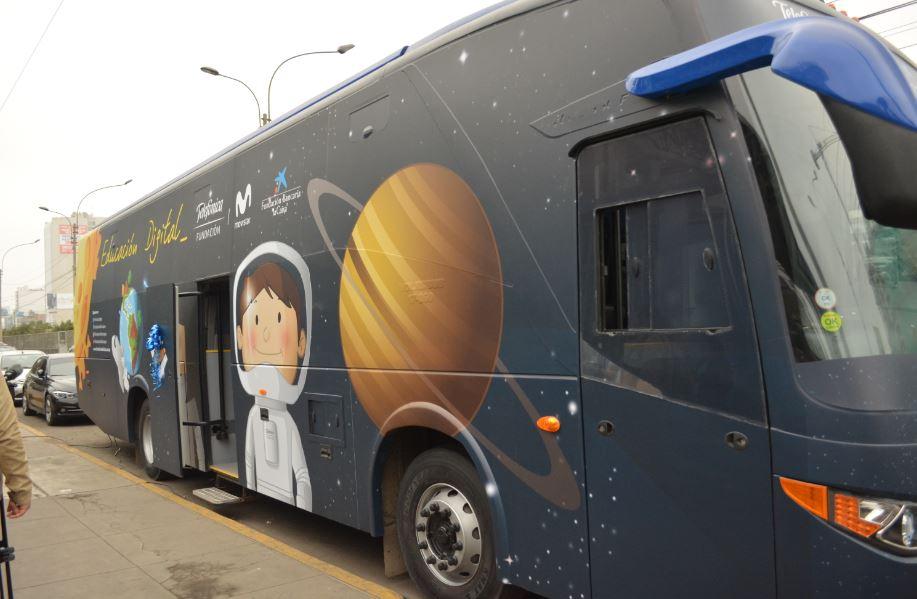Bus-Digital_2_Lima